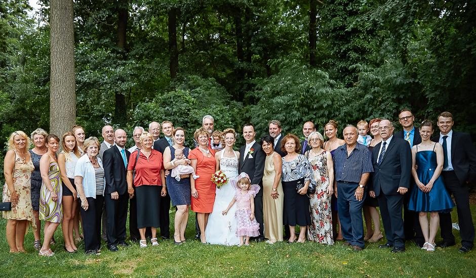 Hochzeitsfeier Berlin  Hochzeitsgesellschaft bei Standesamt Kirche freie Trauung