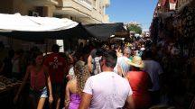 Menschen auf dem Markt in Torrevieja