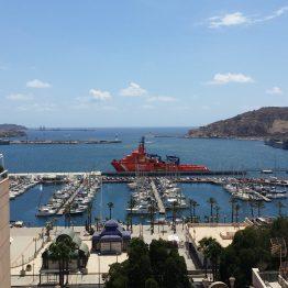 Blick vom Berg auf den Hafen von Cartagena