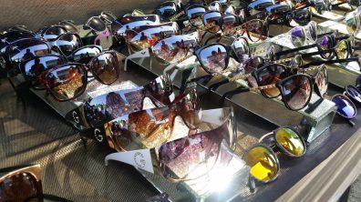 Noch mehr Sonnenbrillen