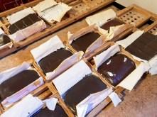 Historische Fertigung von Schokolade