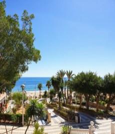 Zum Paradise Beach