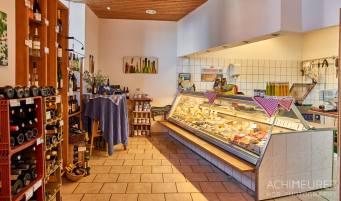 Die Käserei auf dem Demeter-Bauernhof in Heiningen