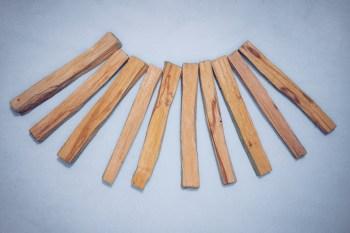 10 Palo Santo Sticks der Besten Qualität. Kernholz. Das Herz des Baumes.