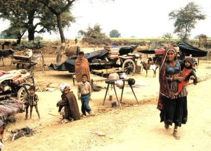 Dorfszene auf der Fahrt nach Jaipur