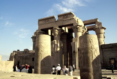 Wüstentempel auf dem Weg nach Luxor