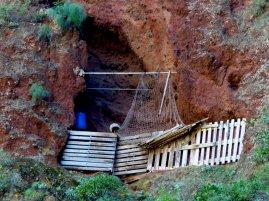 Eingang zu einer Höhlenwohnung