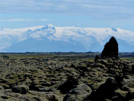 Lavafelder vor Gletscher - Island
