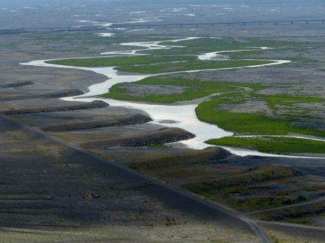 Flusslauf von Gletscherfluss - Island