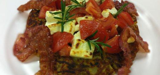 Kartoffel Kürbis Rösti mit Tomaten und Fetakäse