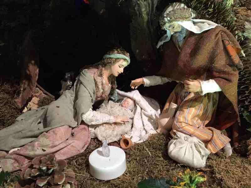 Weihnachtskrippe aus Waldbreitbach, Maria erschöpft