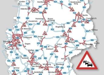 Urlauberwelle verstopft Autobahnen