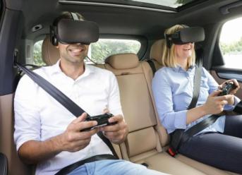 """Porsche präsentiert VR-Unterhaltung für den Rücksitz mit """"holoride"""""""