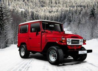 Weihnachtliches Fest für Familien und Fans in der Toyota Collection, Public Opening mit Weihnachtsmann, Fanbörse, Plätzchen und Vorfreude auf 2020 - Toyota Modelle