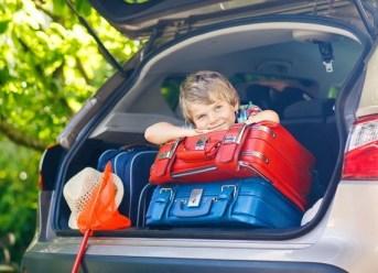 Kind im Kofferraum