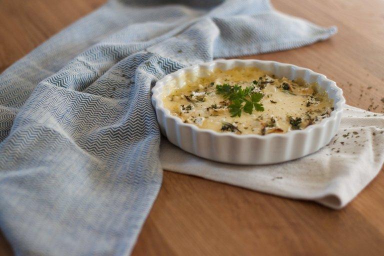Na Cozinha – Camembert no Forno com Alho e Ervas