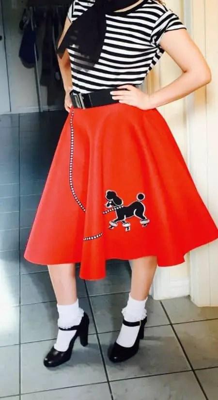 f50b31a69 Como hacer un disfraz de Vaselina la falda circular de Sandy