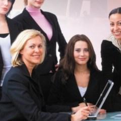 ¿Por qué a las mujeres les cuesta mas trabajo aceptar puestos de alto nivel?