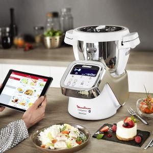 Moulinex i-Companion HF900110 cocinando con recetario en app móvil