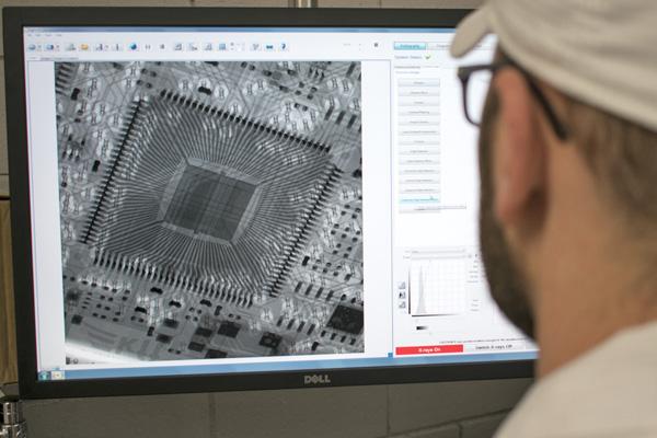 Particolare ispezione X-Ray / X-Ray inspection detail