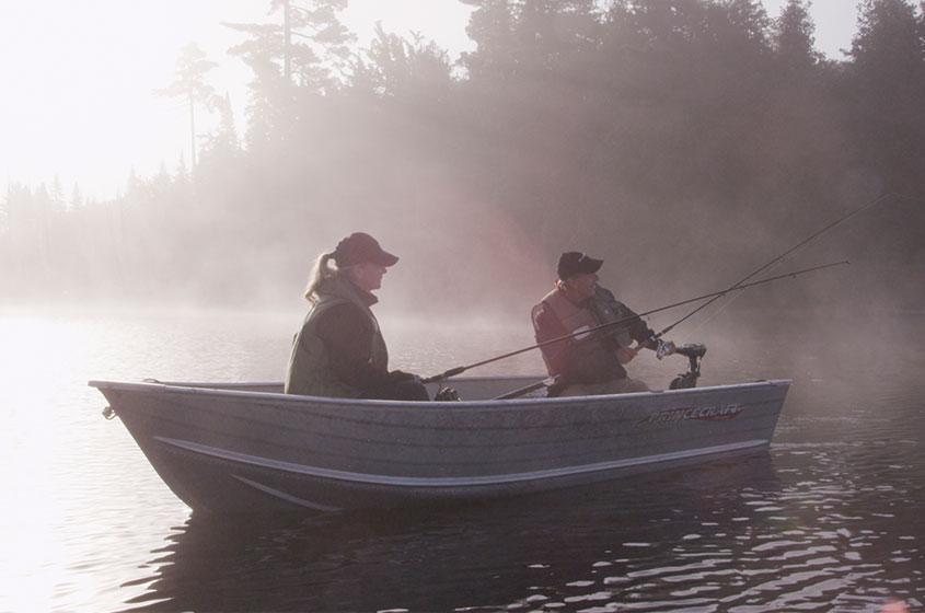 Pêche aux dorés jaune à la Pourvoirie Mekoos