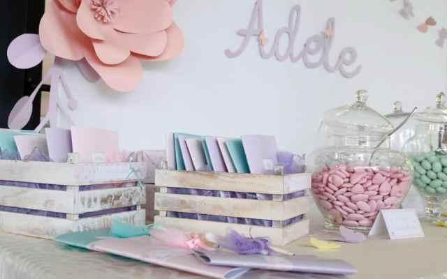tavolo della confettata con maxi fiori di carta handmade