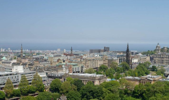 Edinburgh, Edinburgh Castle, Summer in Scotland, Scotland Travel Guide