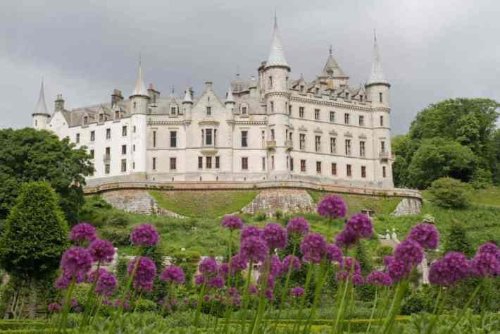 Dunrobin Castle, Scotland travel guide