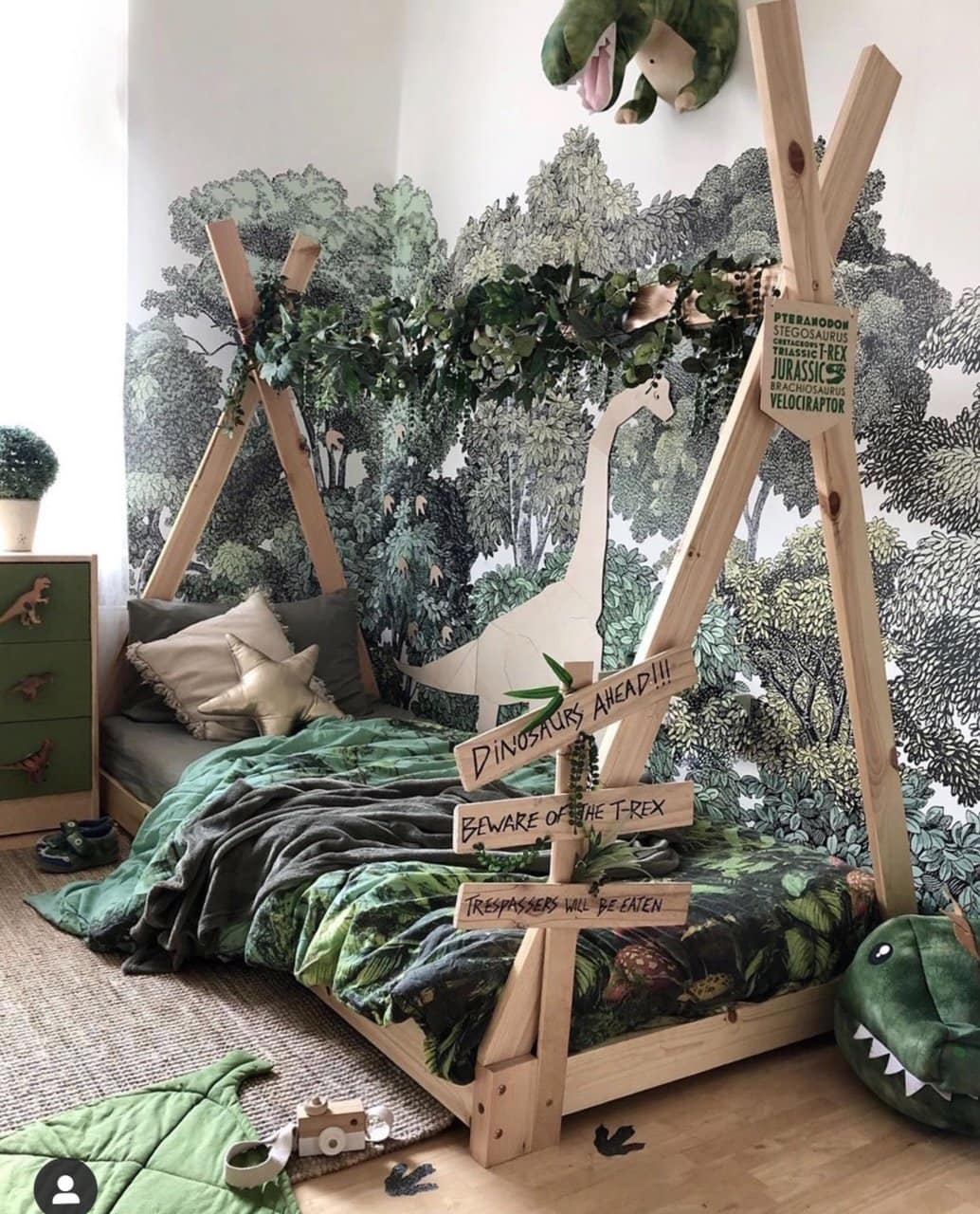boys, bedroom, boys bedroom, boys decor, bedroom ideas, bedroom decor, jungle, jungle theme, jungle themed room, green, mustard, curtains, furniture, bedroom furniture