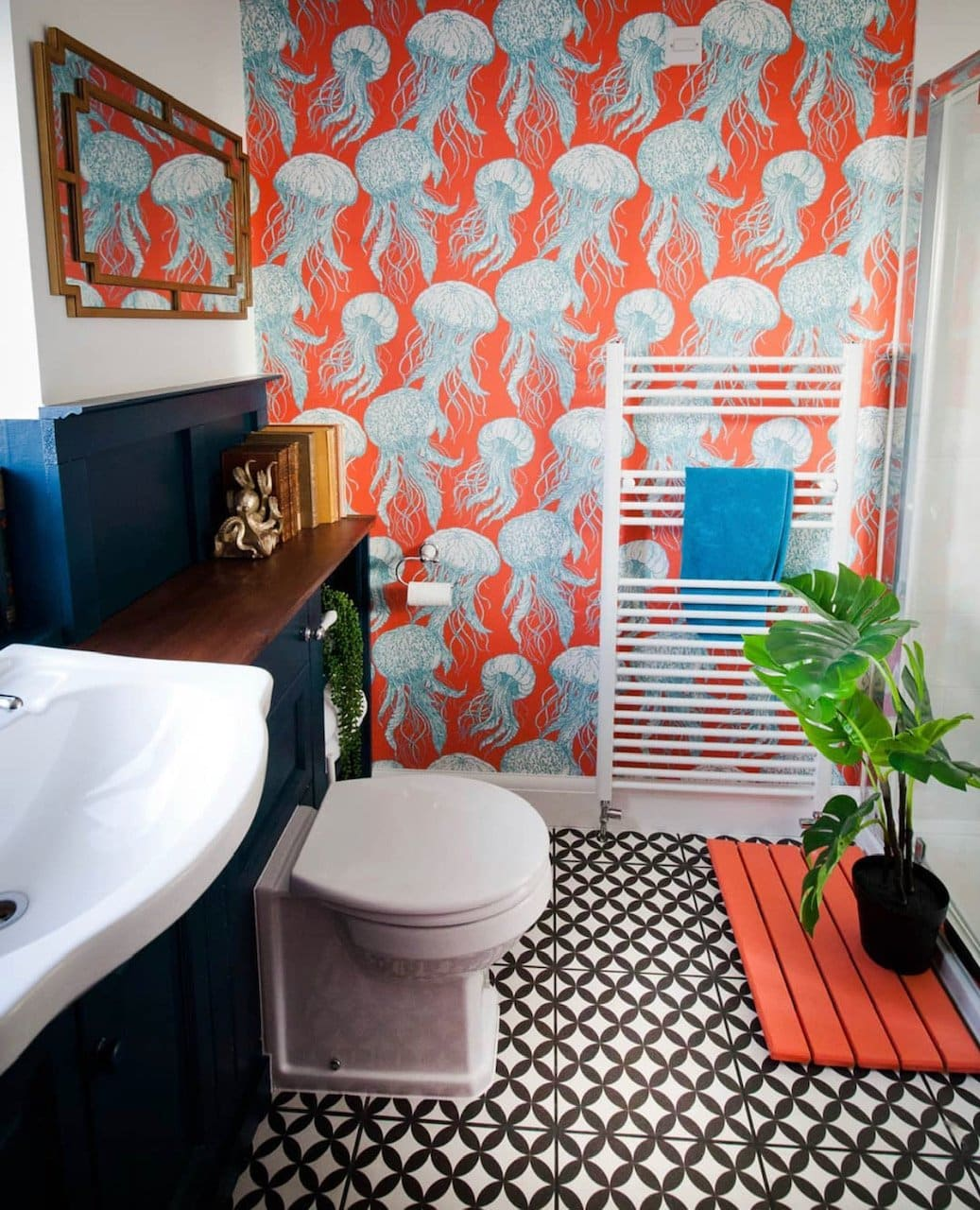 jellyfish wallpaper, bathroom, monochrome tiles