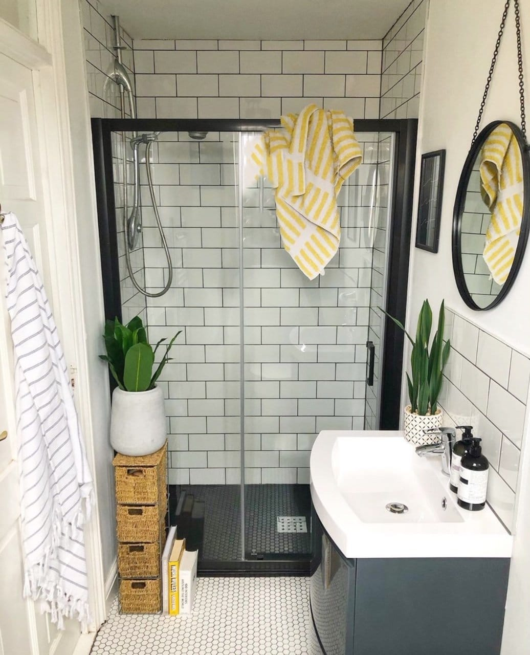 small bathroom, downstairs bathroom, shower room, en-suite, sink, shower, green walls, decorate, decorating, renovation, bathroom renovation