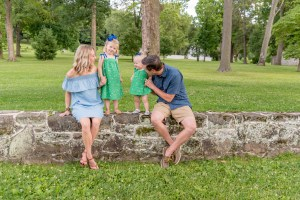 family portraits valley forge park King of prussia photographer
