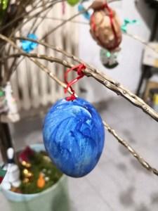 albero pasquale uovo blu