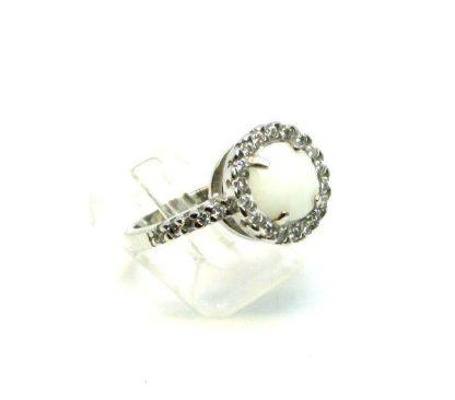 anello donna argento e agata bianca con zirconi