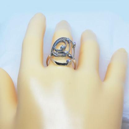 Anello donna in Oro bianco con Diamanti Gianni Carità