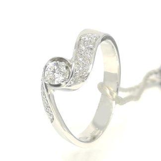 Anello Solitario in Oro bianco e Pavè di Diamanti Gianni Carità