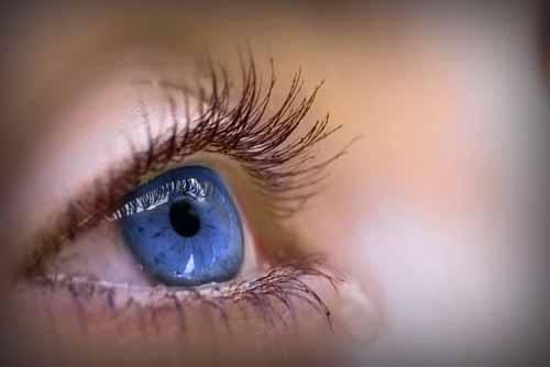 Lazer göz ameliyatını herkes olabilir mi?