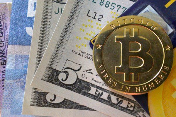[Resim: bitcoin-kagit-paranin-alternatifi-olabil...00x400.jpg]