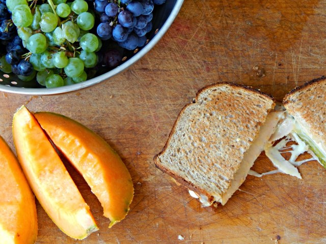 Turkey, Mozzarella, and Picke Sandwich #HillshireNatural #ad @hillshirefarm