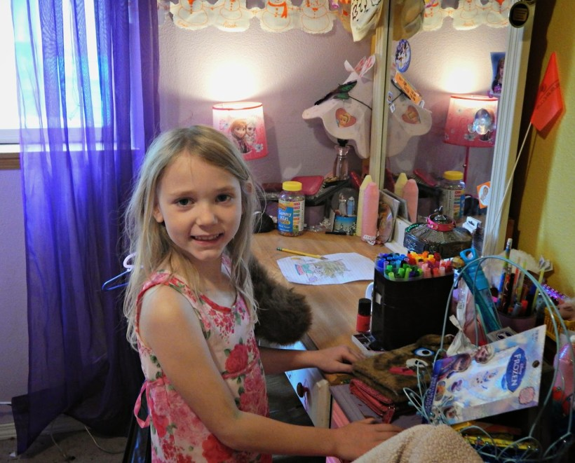 3 Tips to Make Room Sharing More Bearable For Your Daughters #kleenexstyle #ad #cbias