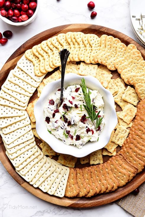 25 Party Perfect Holiday Dips and Spreads