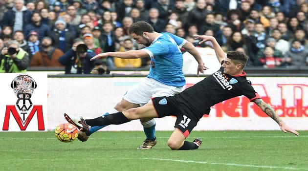 Napoli vs Empoli - Higuain in azione