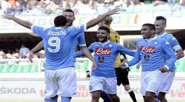 Verona vs Napoli gol Higuain esulta