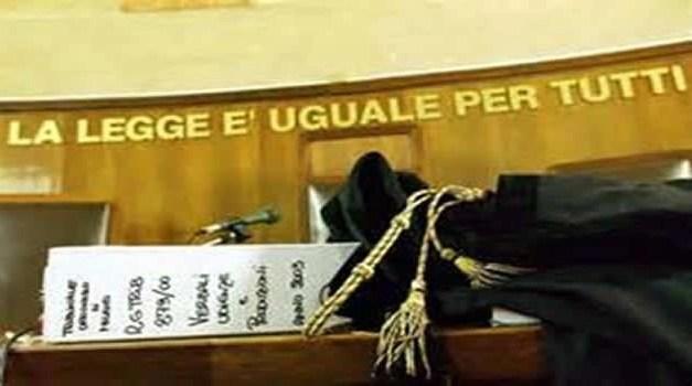 LA GIUSTIZIA E LE TASSE IN ITALIA