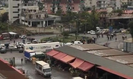 MELITO: SERVIZIO IDRICO INTERROTTO AL PARCO MONACO, PUNTUALE LA PROTESTA