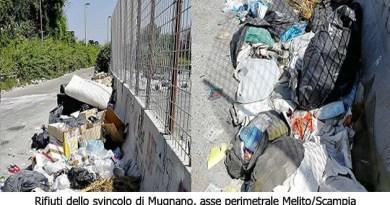 rifiuti dello svincolo Mugnano - asse perimetrale Melito-Scampia