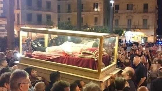 Melito in festa: le spoglie di San Vincenzo Romano in città per 5 giorni. Il programma