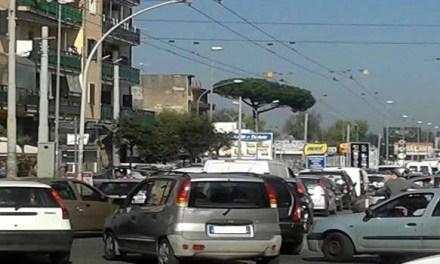 Traffico in tilt nelle ore di punta e ai semafori: ecco perché!