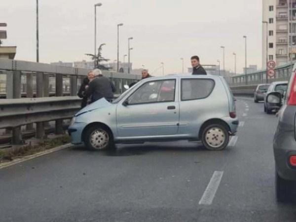 Melito-Scampia. Incidente a catena sulla perimetrale: traffico in tilt.