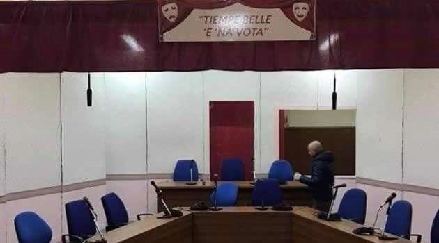 Melito - Sala Consiliare allestimento teatrale